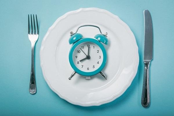 chế độ ăn giảm cân ngắt quãng Intermittent Fasting