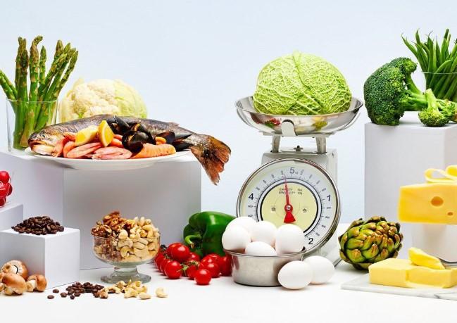 Chế độ ăn low-carb điển hình giảm thiểu lượng thực phẩm giàu carb