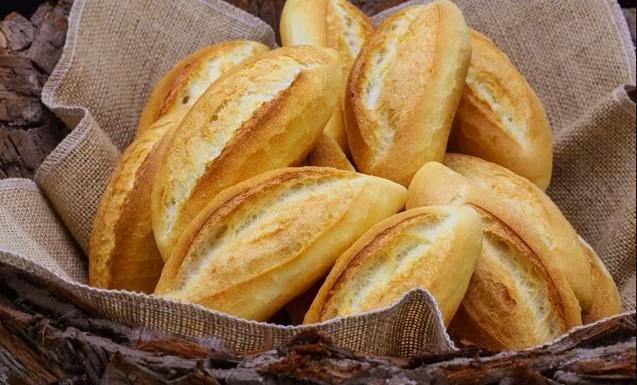 Bánh mì trắng rất nhiều tinh bột và thường chứa nhiều đường